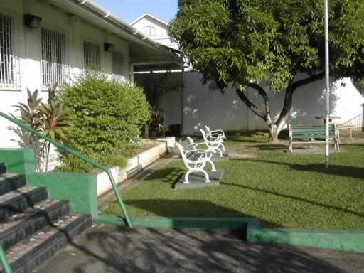 http://viajesestudiantiles.com/site/images/servicios/photobox-trinidad/Instituto_Nigest_Jardin_JPG.jpg