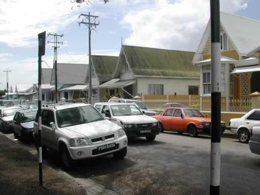 http://viajesestudiantiles.com/site/images/servicios/photobox-trinidad/Woodbrook_Calles_2_JPG.jpg
