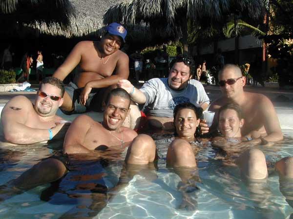 http://viajesestudiantiles.com/site/images/servicios/photobox-universitario-puntacana/UPC02H01.jpg